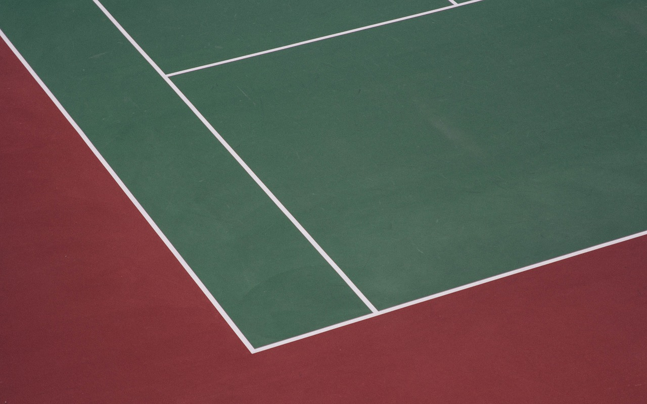 tennis-court-1081845_1280.jpg